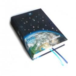 Textilní diář 2020 ručně zdobený - Vesmír se Zemí
